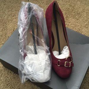 JustFab Adelia High Heels in burgundy sz 7.5